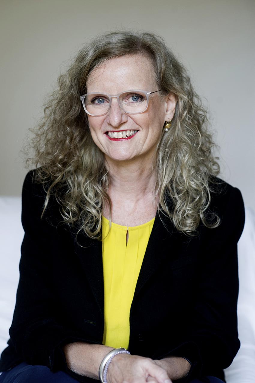 Dr.Renate VOLBERT